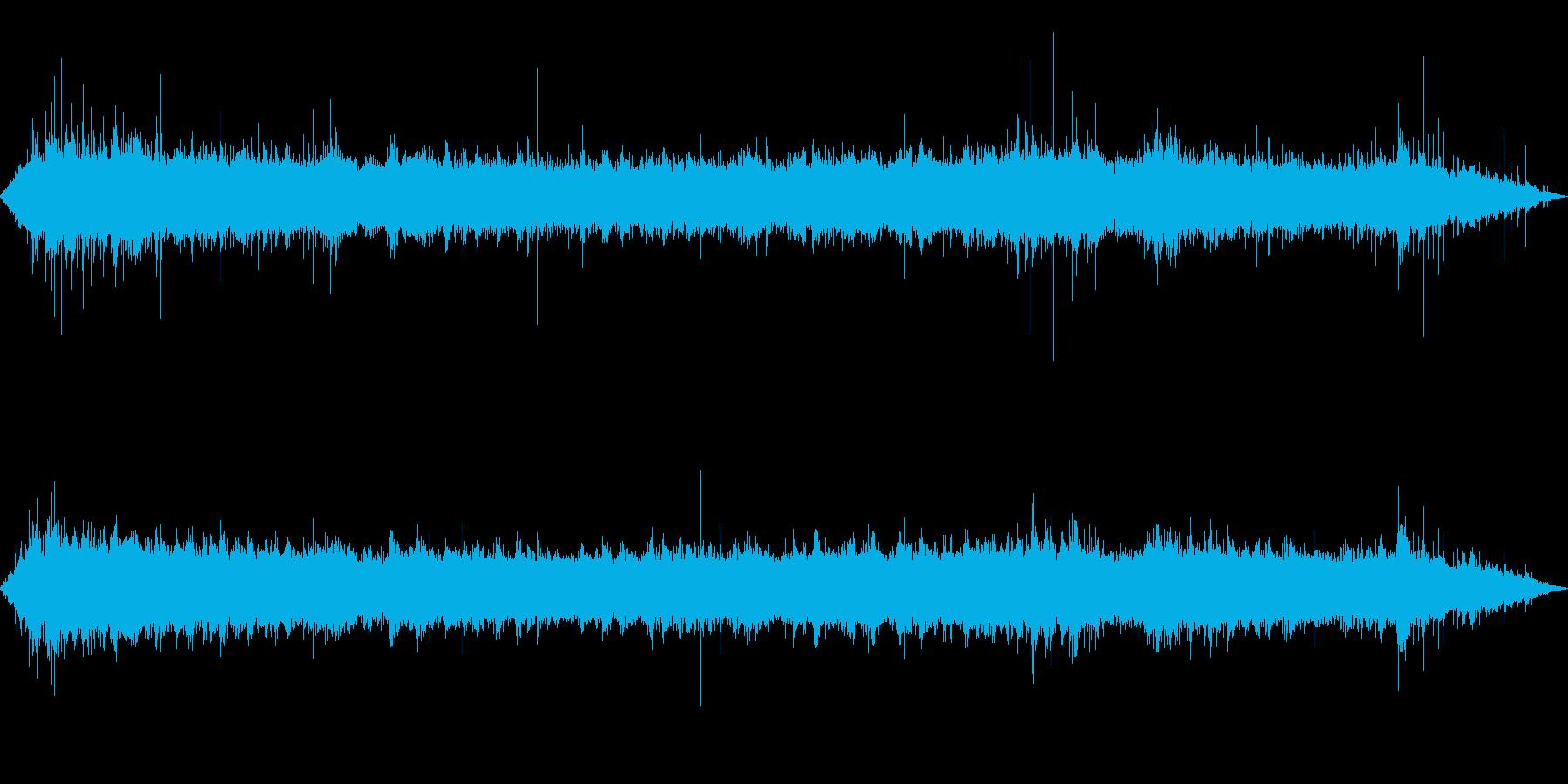 環境音-駅の改札口(人少なめ)の再生済みの波形