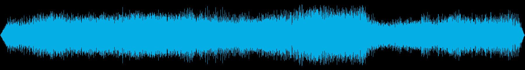 加速中のディーゼル特急のエンジン音の再生済みの波形