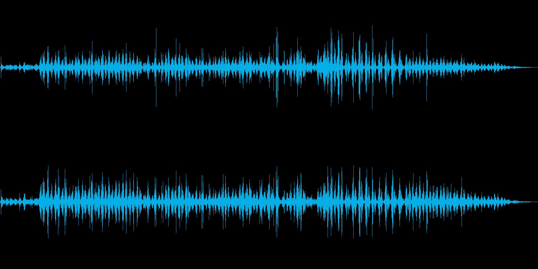 歯磨きをする音(歯ブラシ、丁寧、急ぐ)の再生済みの波形