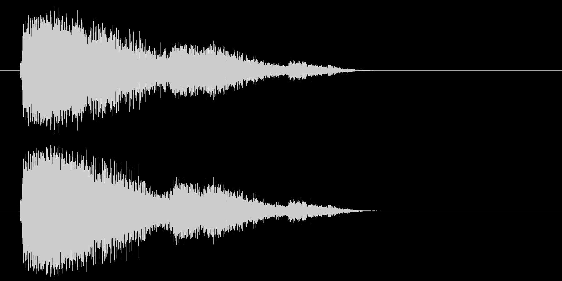 大きなタンブリングメタルクラッシュの未再生の波形