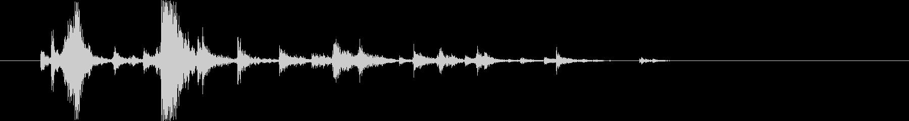 ドンガラガッシャン(プラ製器の落下音)3の未再生の波形