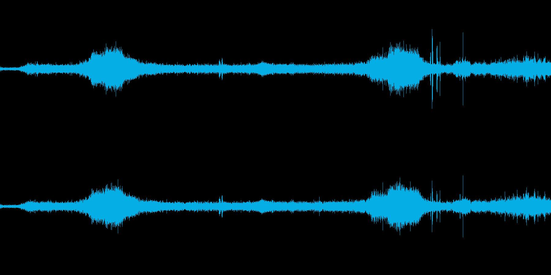 鳥電車雑踏の音の再生済みの波形