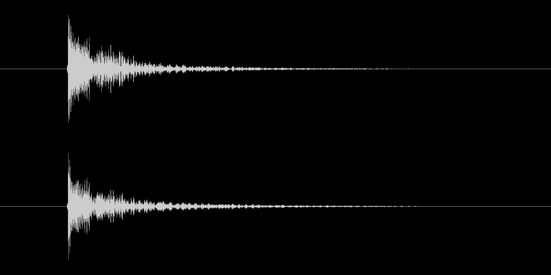 「ダン」という張り詰めた太鼓の音の未再生の波形