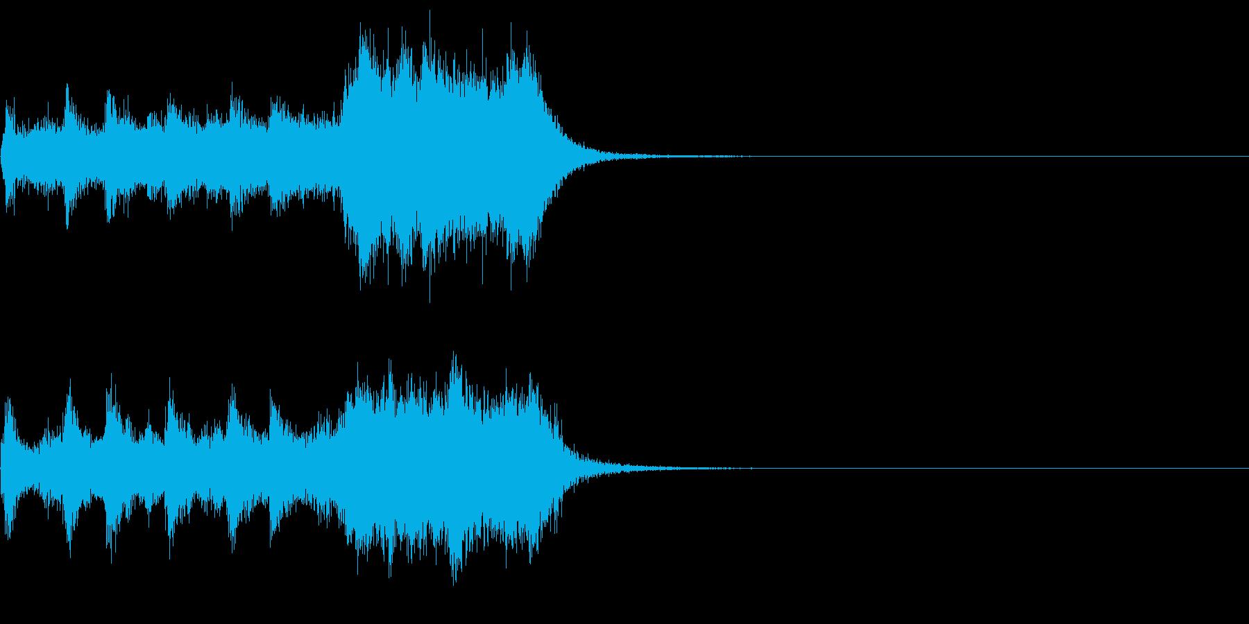 オーケストラと和太鼓の短い力強いフレーズの再生済みの波形