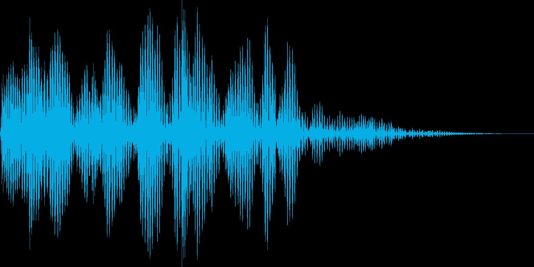 筐体が揺れるような衝撃音の再生済みの波形