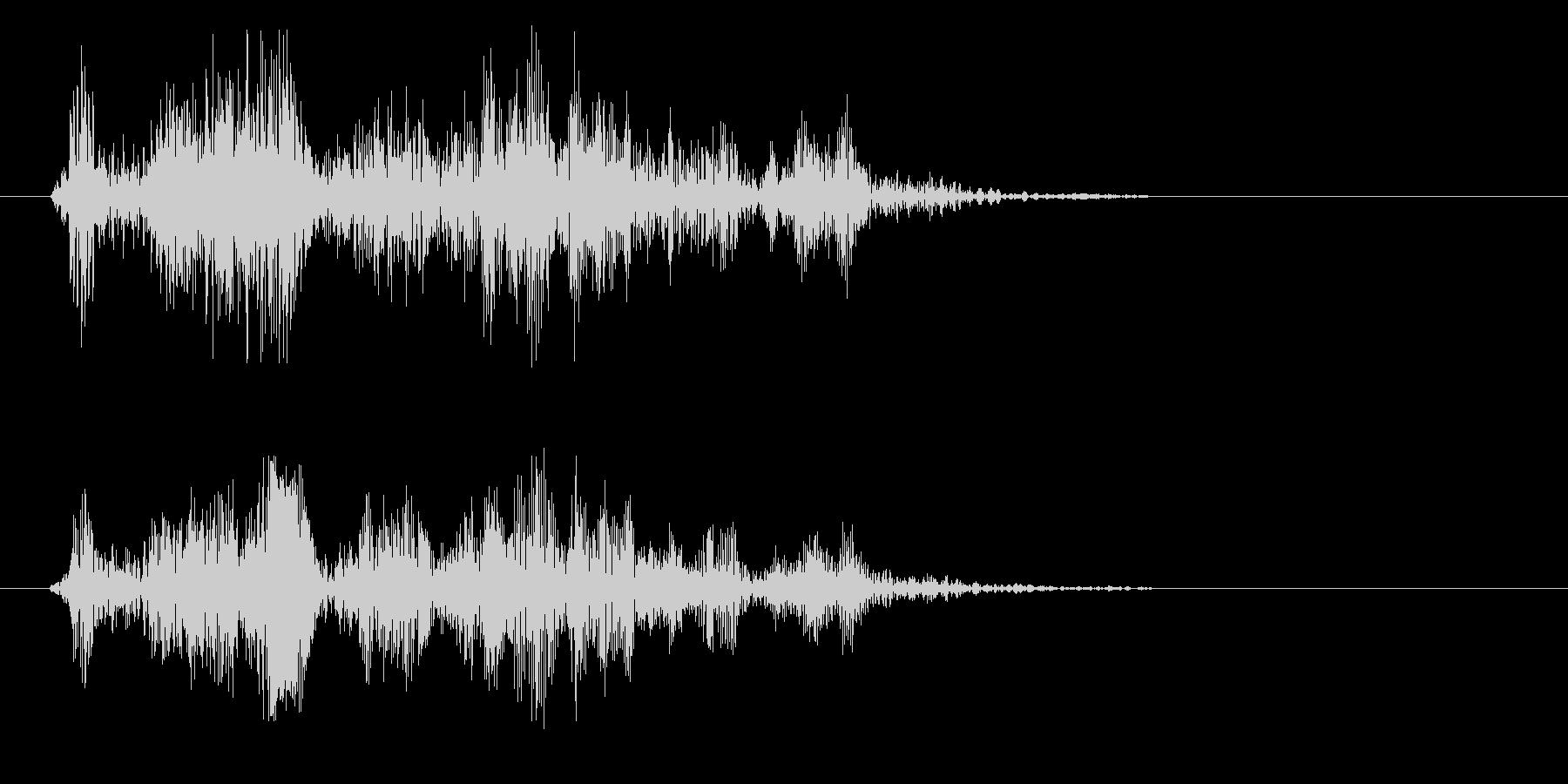 ジャリッ(摩擦音 陶器が擦れる音)の未再生の波形