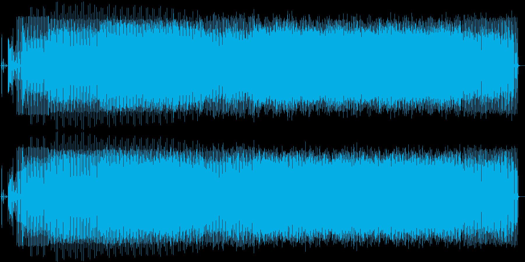 テンポの早いノイジーでテクノ系電子曲の再生済みの波形