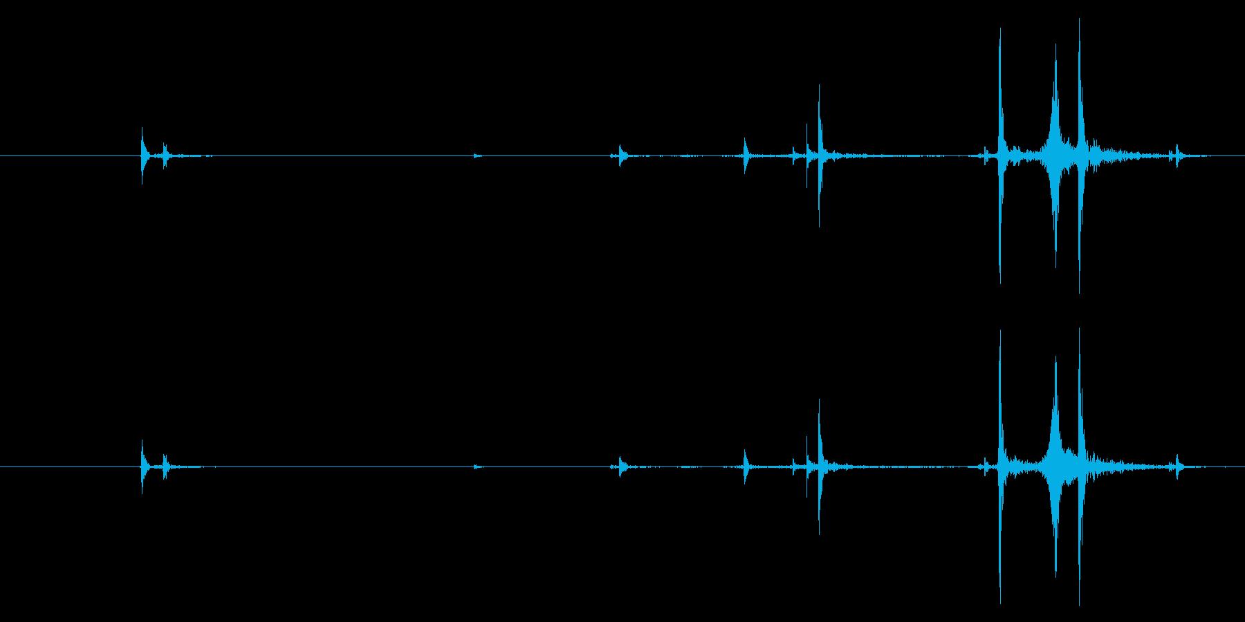 ハンドガン:グロック17:弾丸をマ...の再生済みの波形