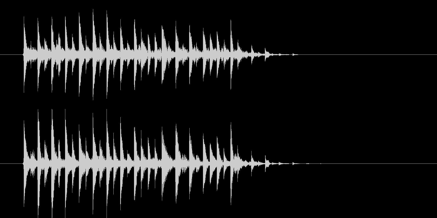 近未来的な華やかさのあるテクノポップの未再生の波形