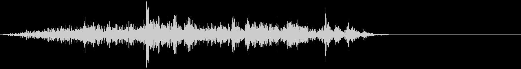 ガヤガヤ、ガチャガチャ 雑多音の未再生の波形