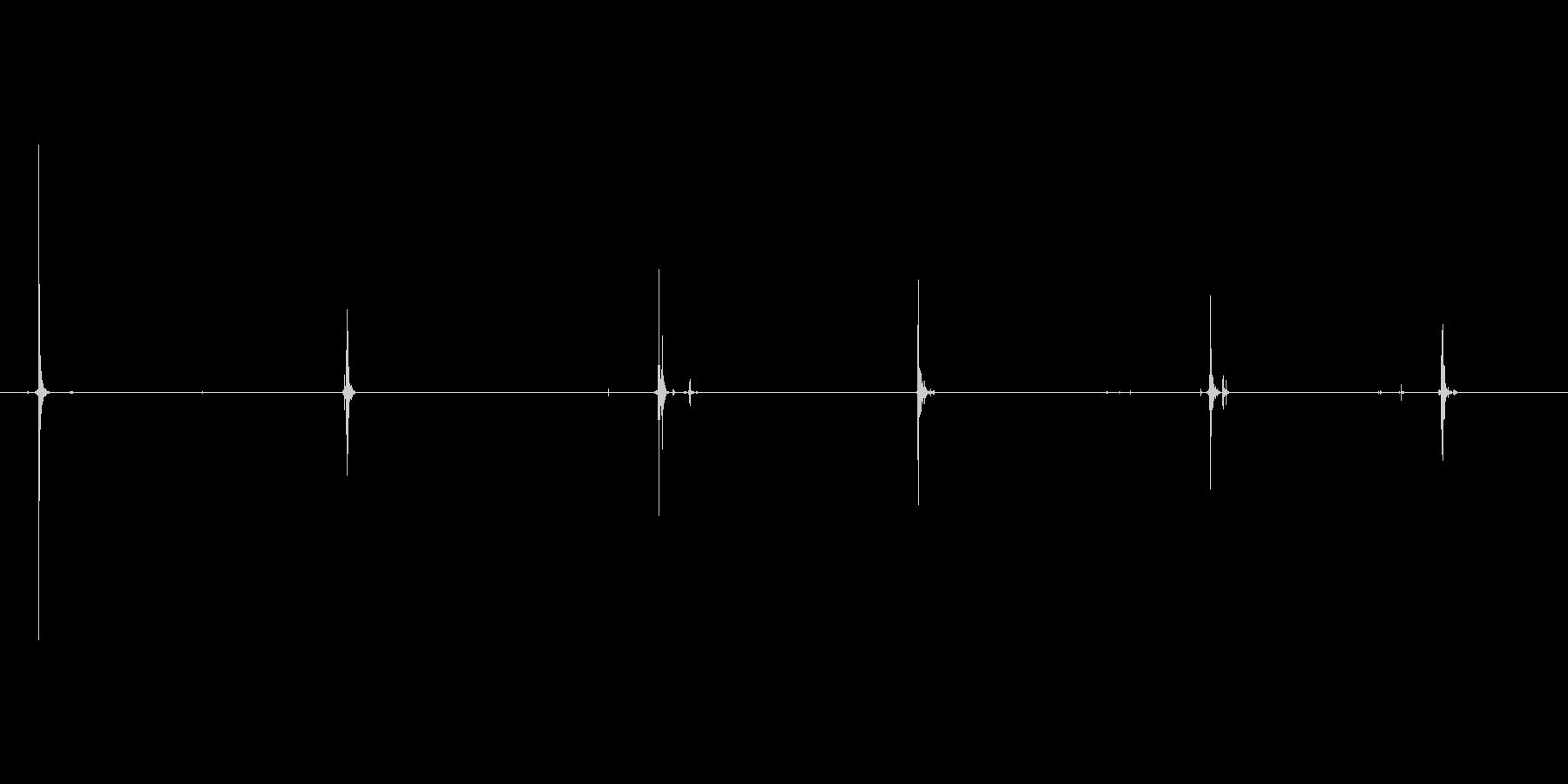 ハンドガン、マグナムタイプ。リロード。…の未再生の波形