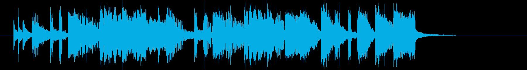 ホーンが華やかなシンセポップの再生済みの波形