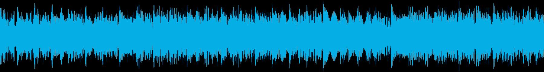 オーケストラの弦、電子ベース、ドラ...の再生済みの波形
