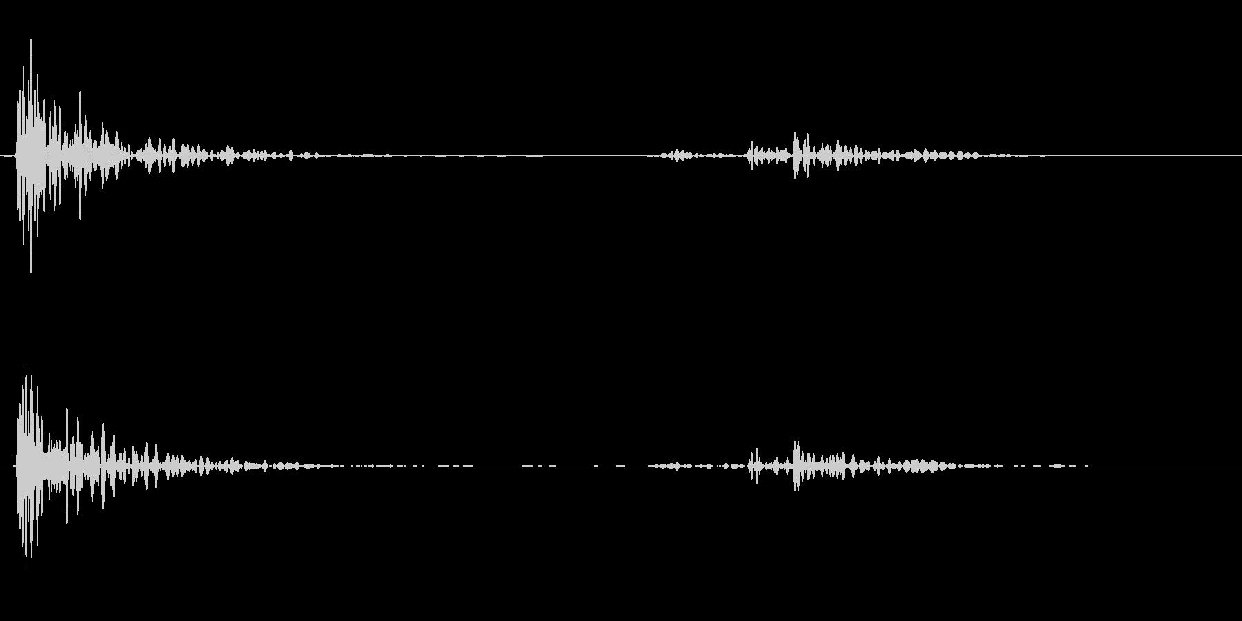 【生録音】テーブルにマグカップを置く音の未再生の波形