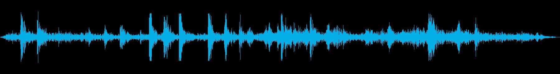 地下鉄地下鉄の乗り換えトラック(内装)の再生済みの波形