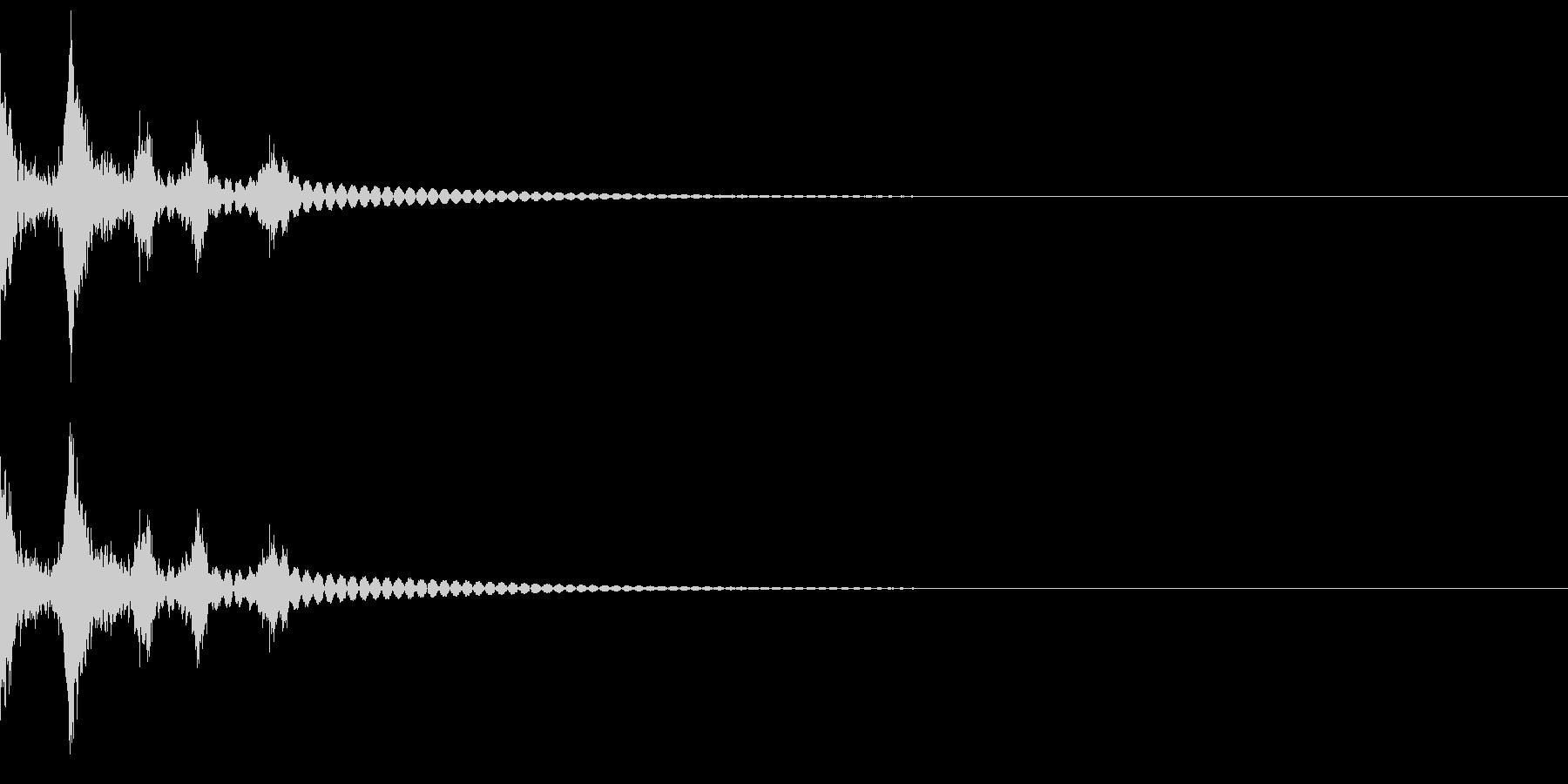 デスクトップのゴミ箱に捨てる音(ガサッ)の未再生の波形