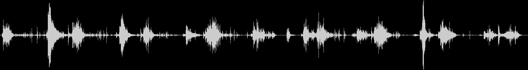 金属シャベル:一定のスクープと金属...の未再生の波形