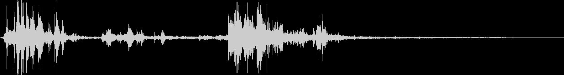 【自然音】カミナリ+雨「ゴロゴロ」の未再生の波形