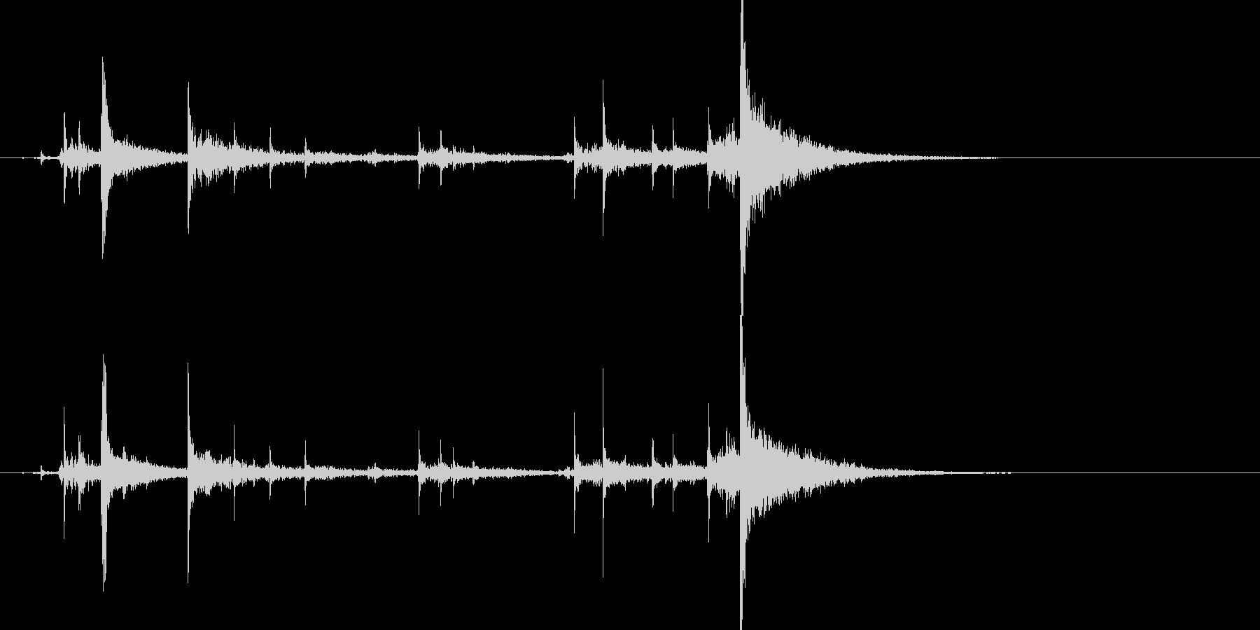ドアチェーンを掛ける音1リバーブの未再生の波形