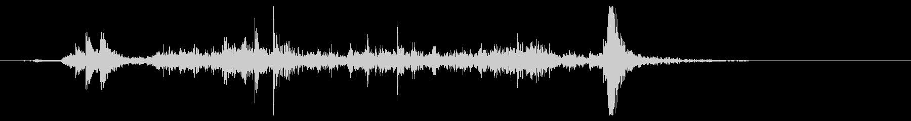 シャッターを開ける音 中型サイズの未再生の波形