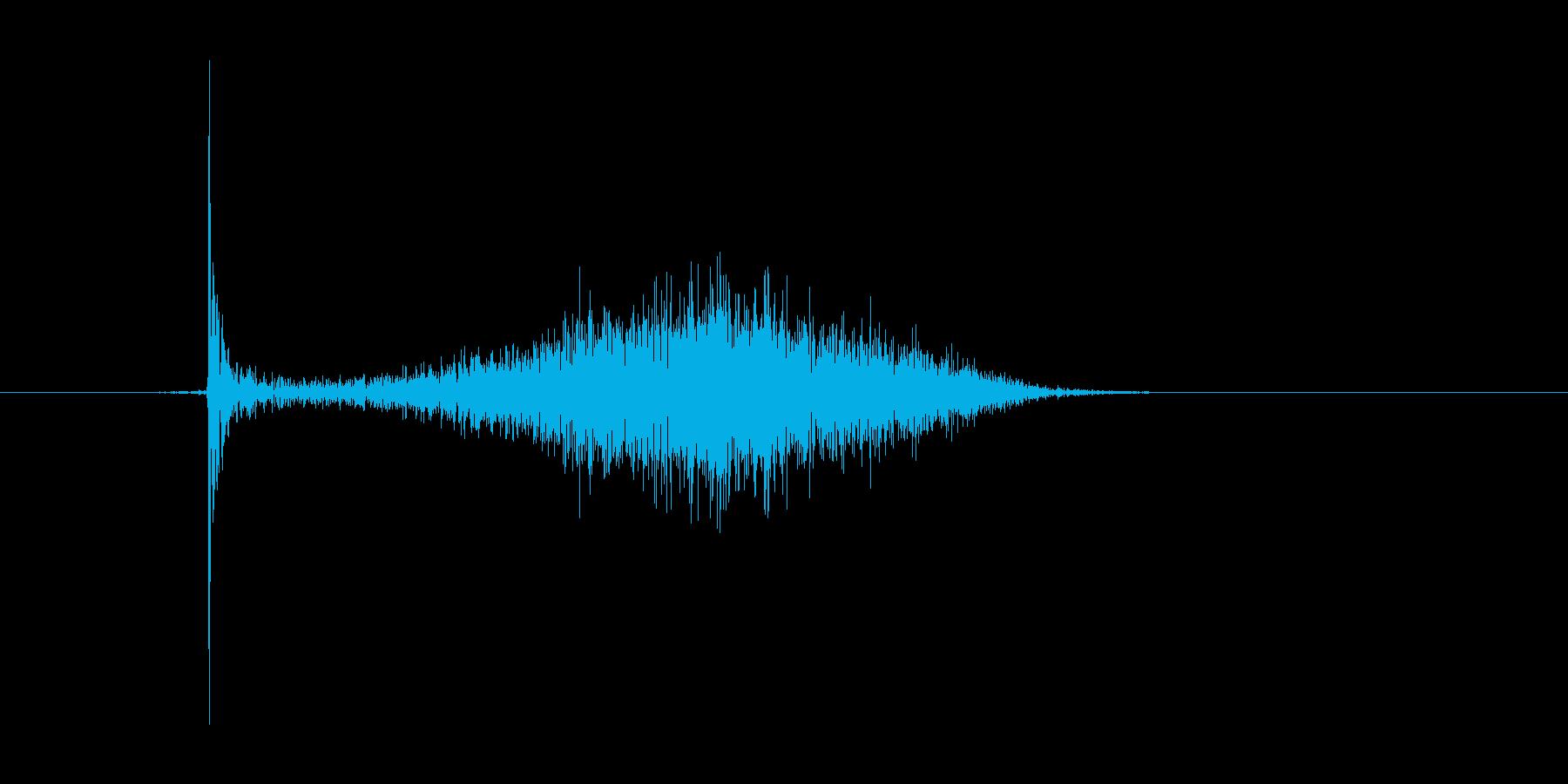 チョークで横線を引いたときの効果音の再生済みの波形