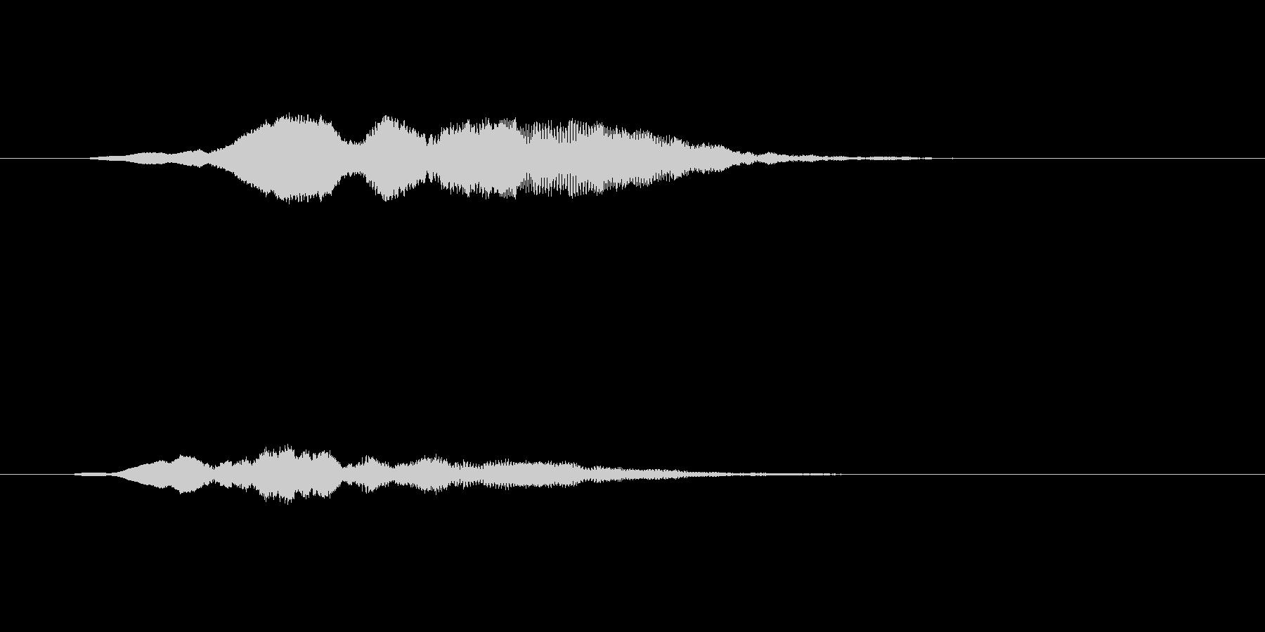 光が差し込む 幻想的なサウンドロゴの未再生の波形