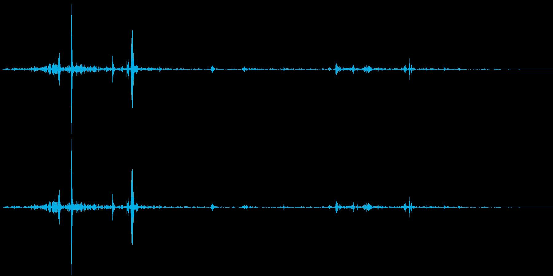 Fish 魚がピチャッと跳ねる音 2の再生済みの波形
