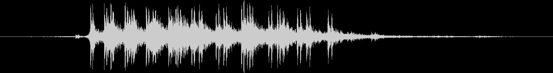 超接近して走る貨物列車の効果音の未再生の波形