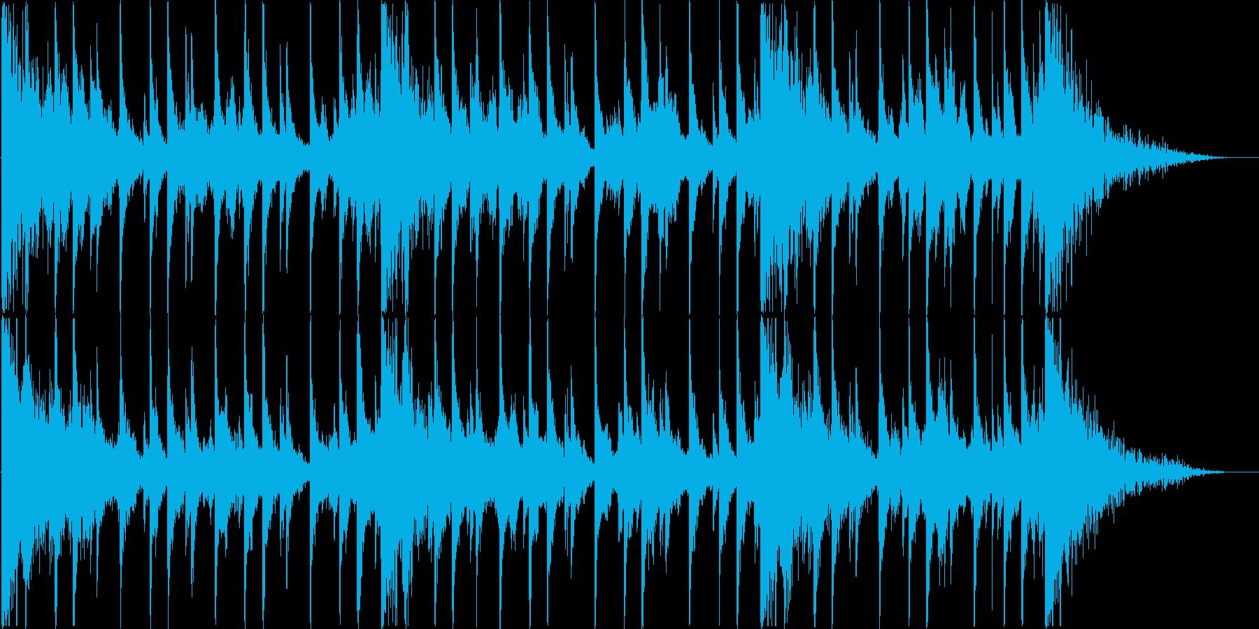 アジア風な打楽器 + 彷徨うシンセの再生済みの波形