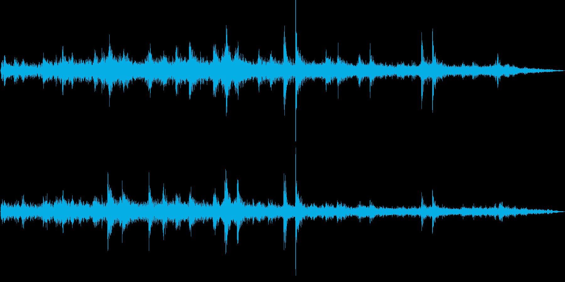 電車発車(車外で録音)の再生済みの波形