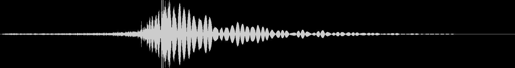 矢が迫って来て刺さる音の未再生の波形