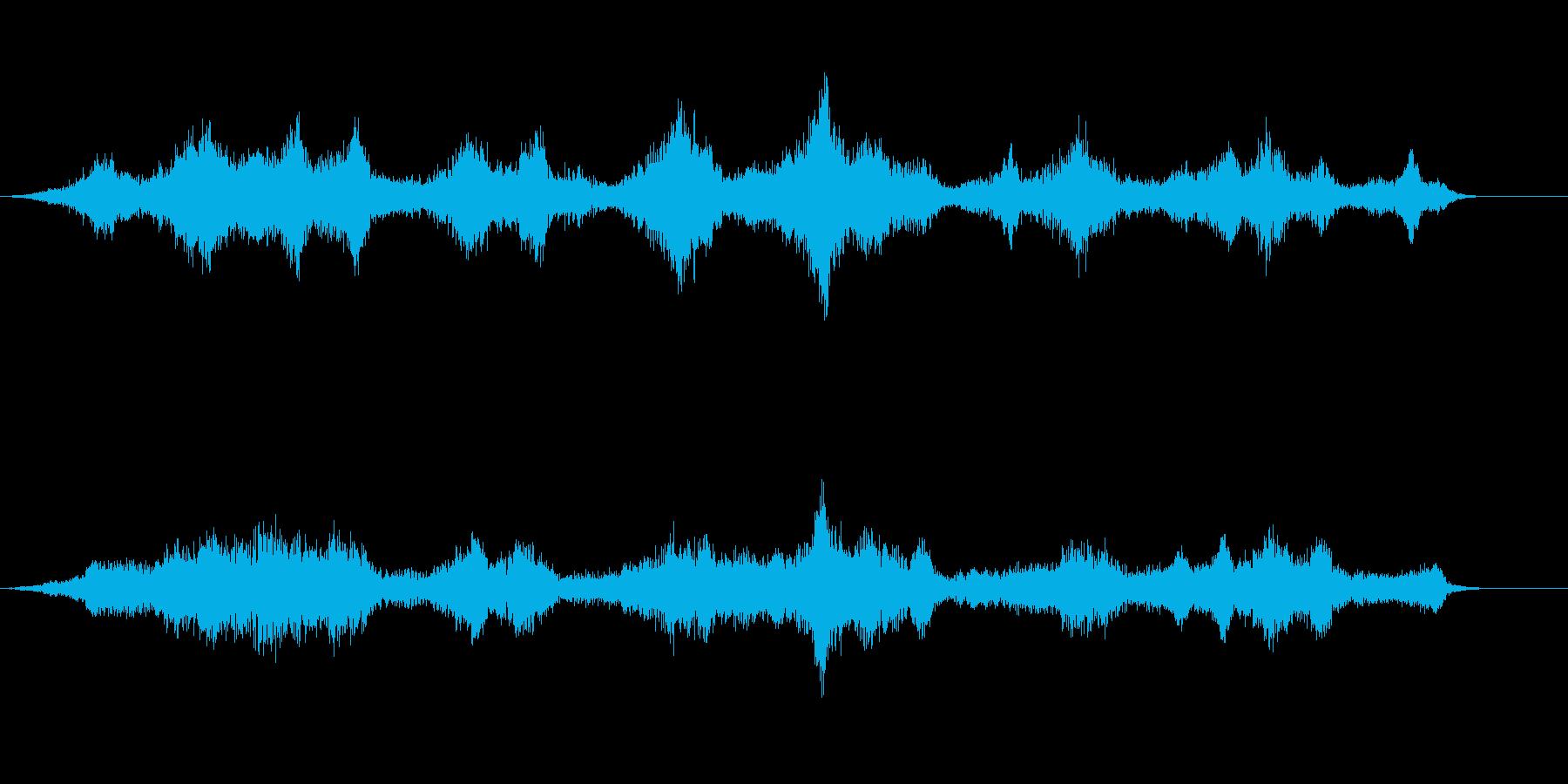 音楽:不気味なピアノ、リバーブ付き...の再生済みの波形
