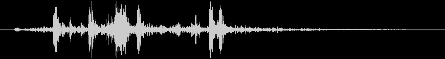 カメラ シャッター音(ノイジー)カシッの未再生の波形