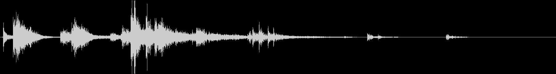 【生録音】装備品の音 金属 武器 1の未再生の波形