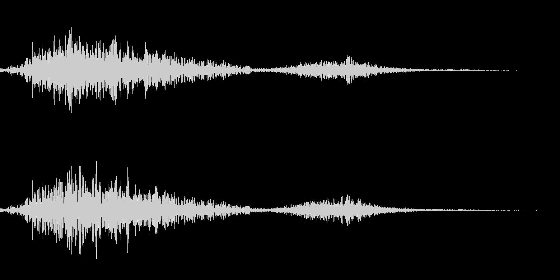 斬撃音(刀や剣で斬る/刺す効果音)13bの未再生の波形
