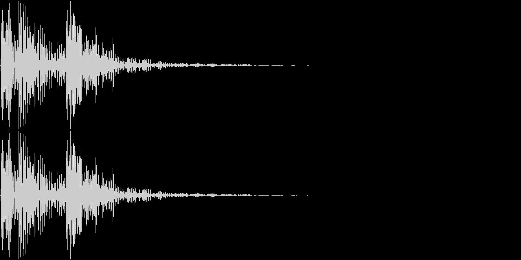 [[ドドンドン!]] 和太鼓の音 3発 の未再生の波形