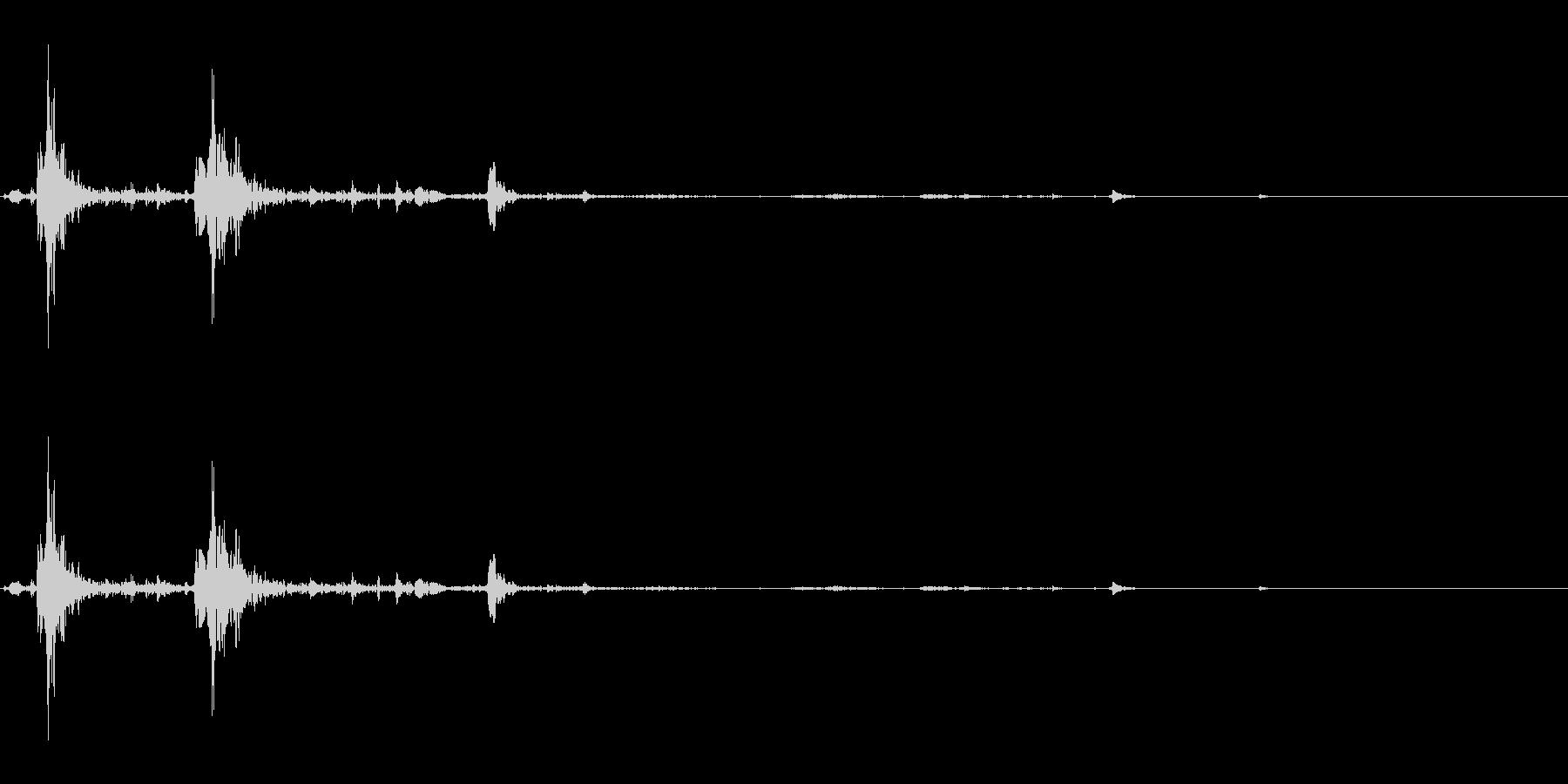 ぺちゃ(足音/モンスター/水生動物)の未再生の波形
