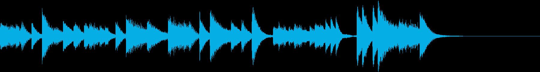 微笑ましいコミカルなピアノジングルの再生済みの波形