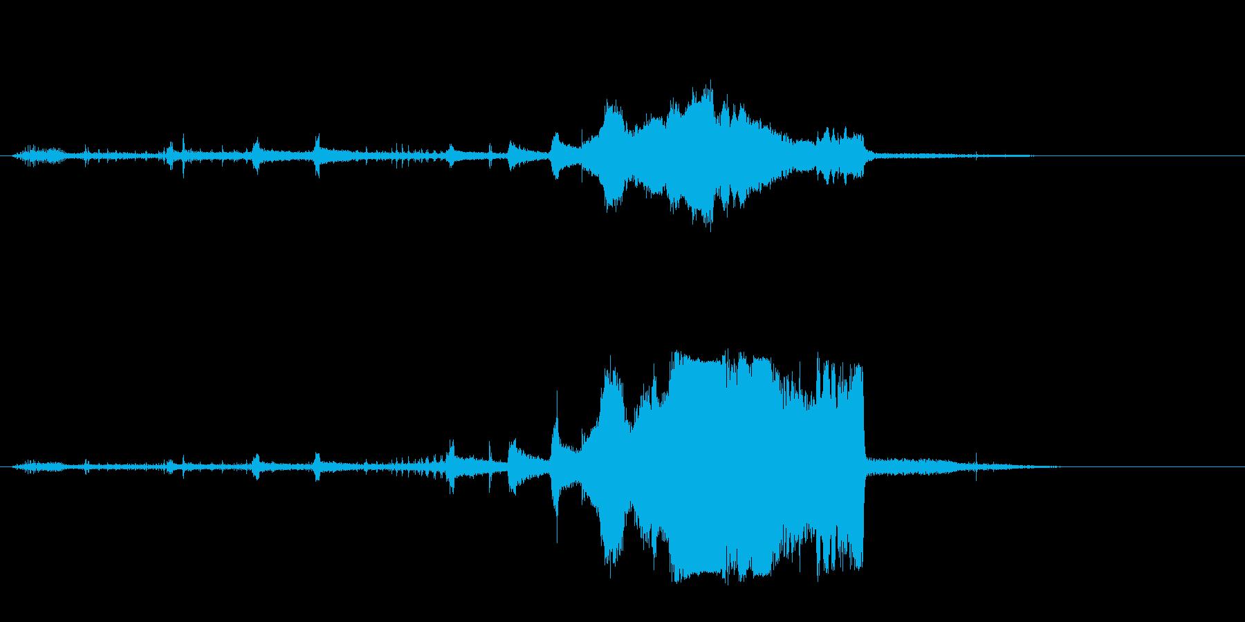 オートバイモトクロス;回転/アウェ...の再生済みの波形