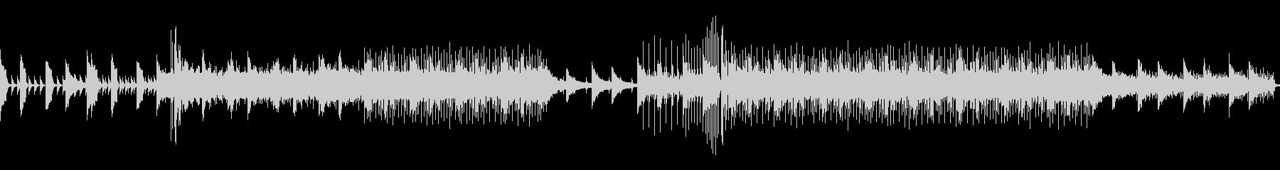 シリアスなピアノとシンセサウンドの未再生の波形