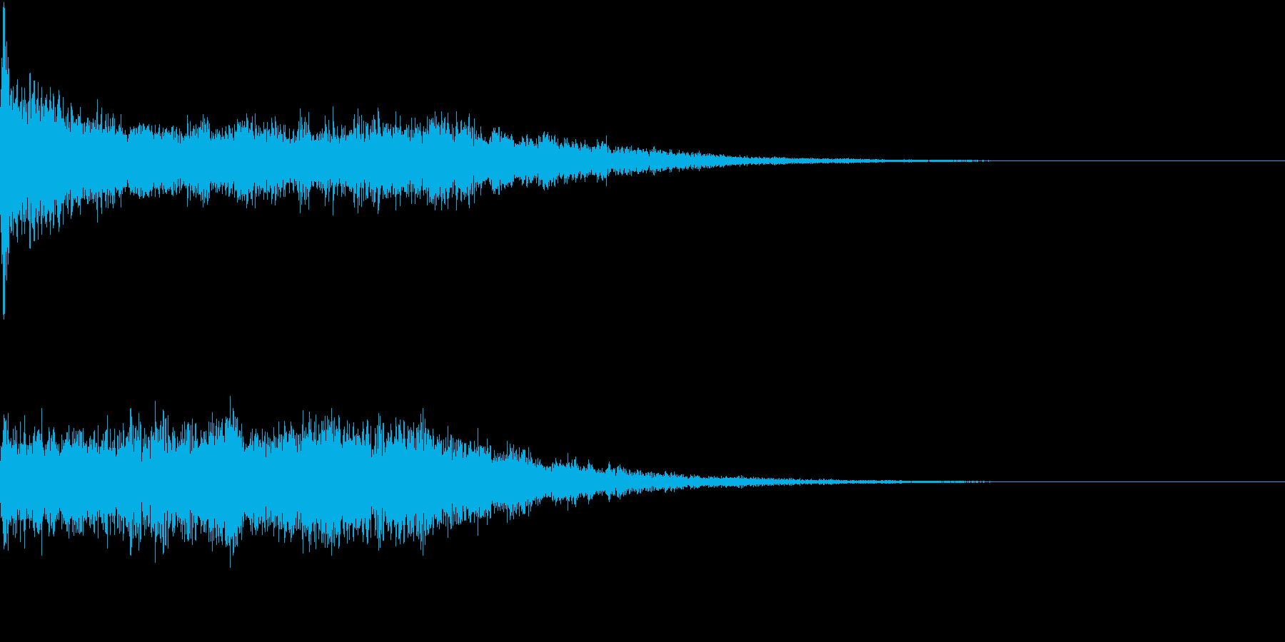 キュイーン(レーザービームを撃つ音)の再生済みの波形