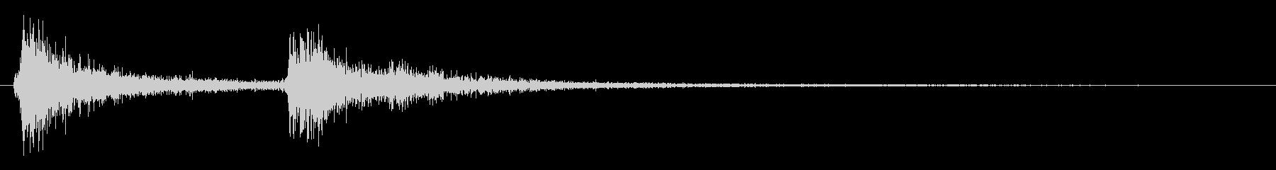 コテ(鍵をかけるときのような短い音)の未再生の波形