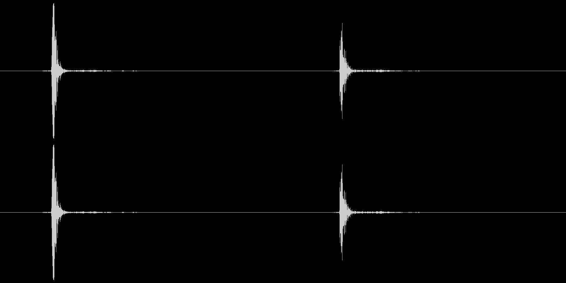 マウスの右クリック  (カチッ)の未再生の波形