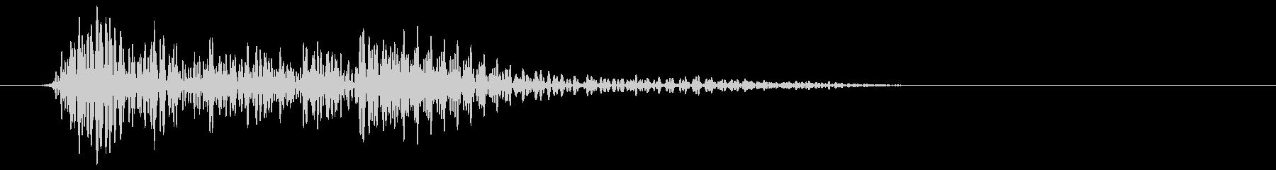 低く響くオットセイ音の未再生の波形