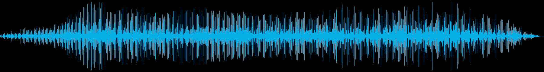 プロペラ飛行機通過の音の再生済みの波形