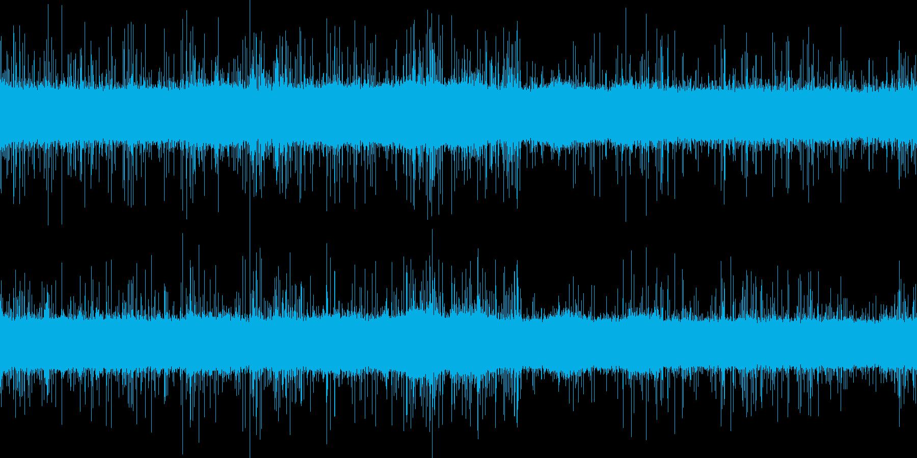 激しく降る雨の音の再生済みの波形