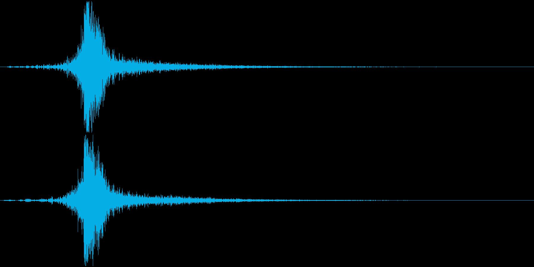 打撃系で余韻にうっすらフォンフォンとの再生済みの波形