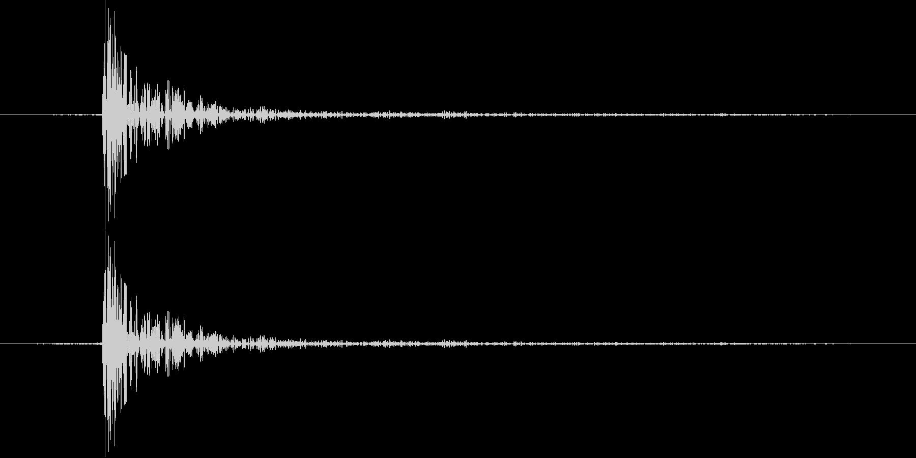 カッ【決定音・カーソル音:クールで硬派】の未再生の波形