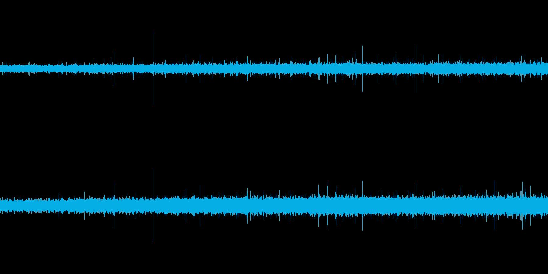 「雨の音 (どしゃ降り)」の再生済みの波形