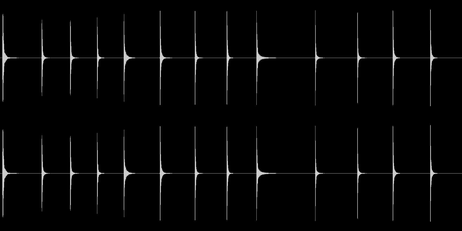 さまざまなハンマーヒットと重い板金のピンの未再生の波形